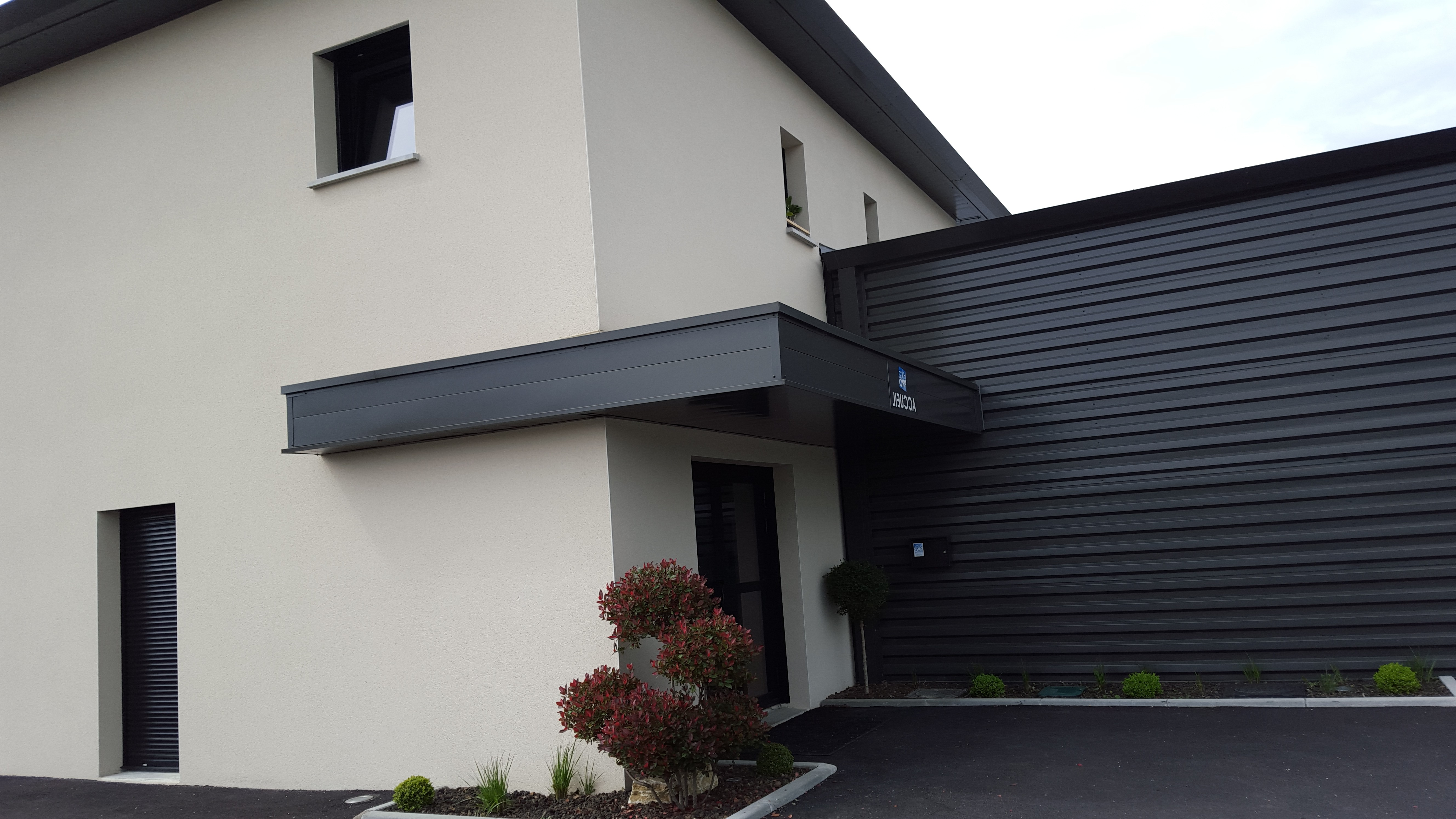 B timent industriel belcastro construction for Cout construction batiment industriel